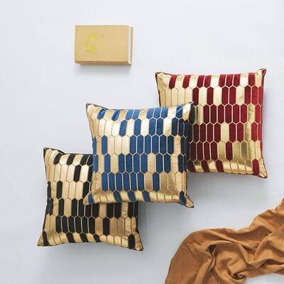 Декоративная подушка бархатная