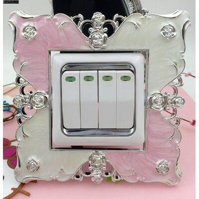 Декоративную рамку для выключателя купить