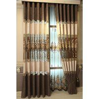 Готовые шторы в салоне