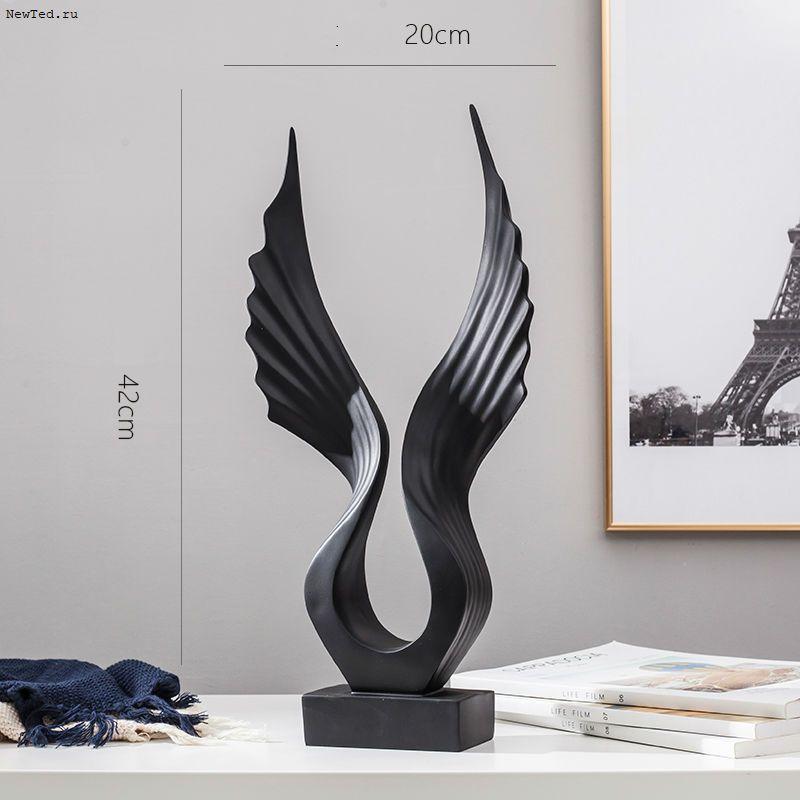 Чёрные крылья статуэтка