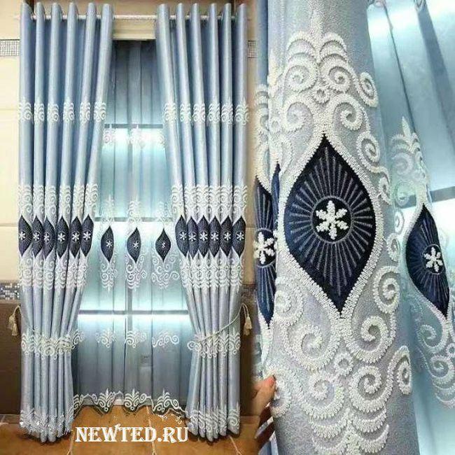 современные голубые шторы с вышивкой